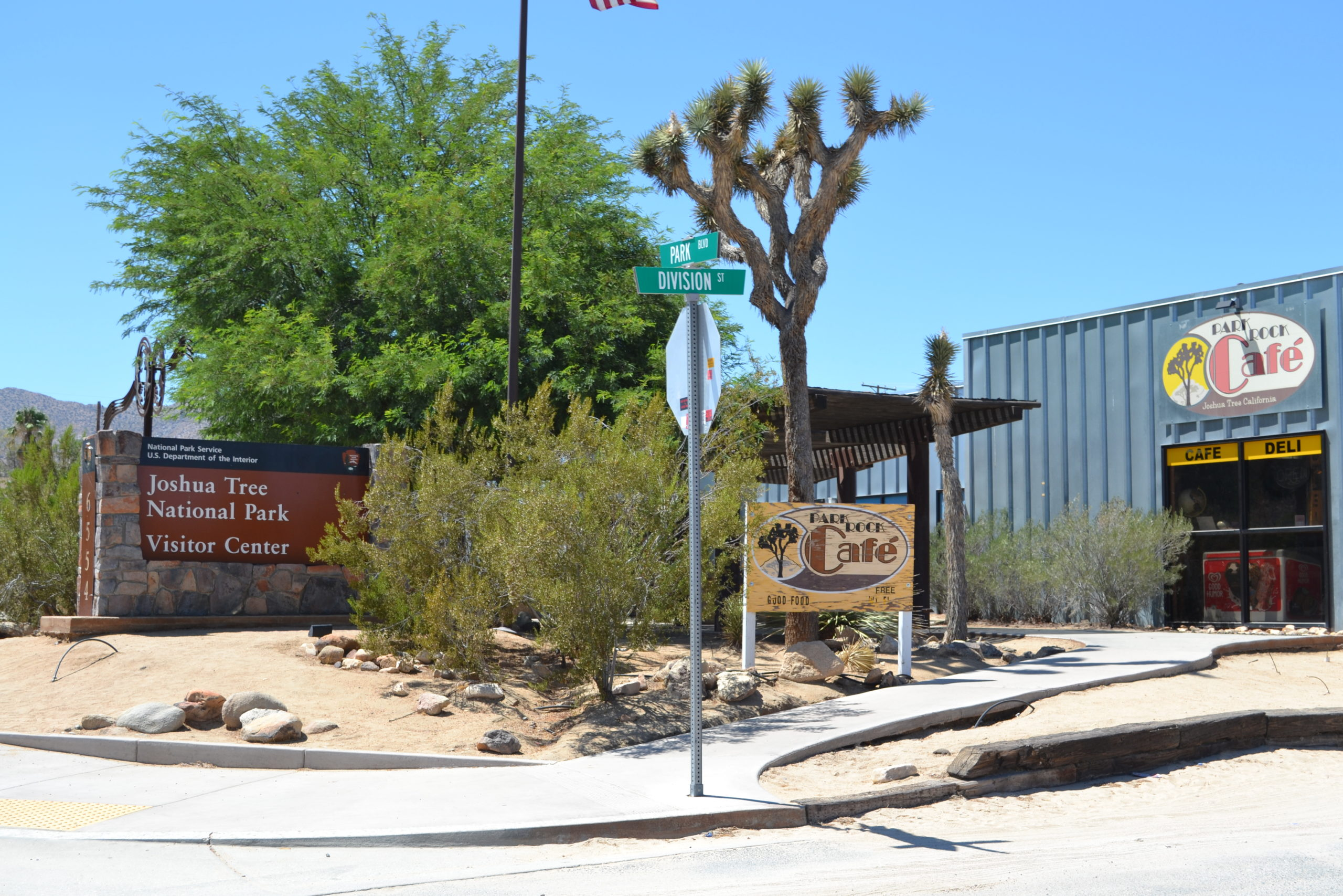 Joshua-Tree-National-Park Visitor-Center-Park-Boulevard-Hiking-Camping-Tour-Adventure-Visitor-Center