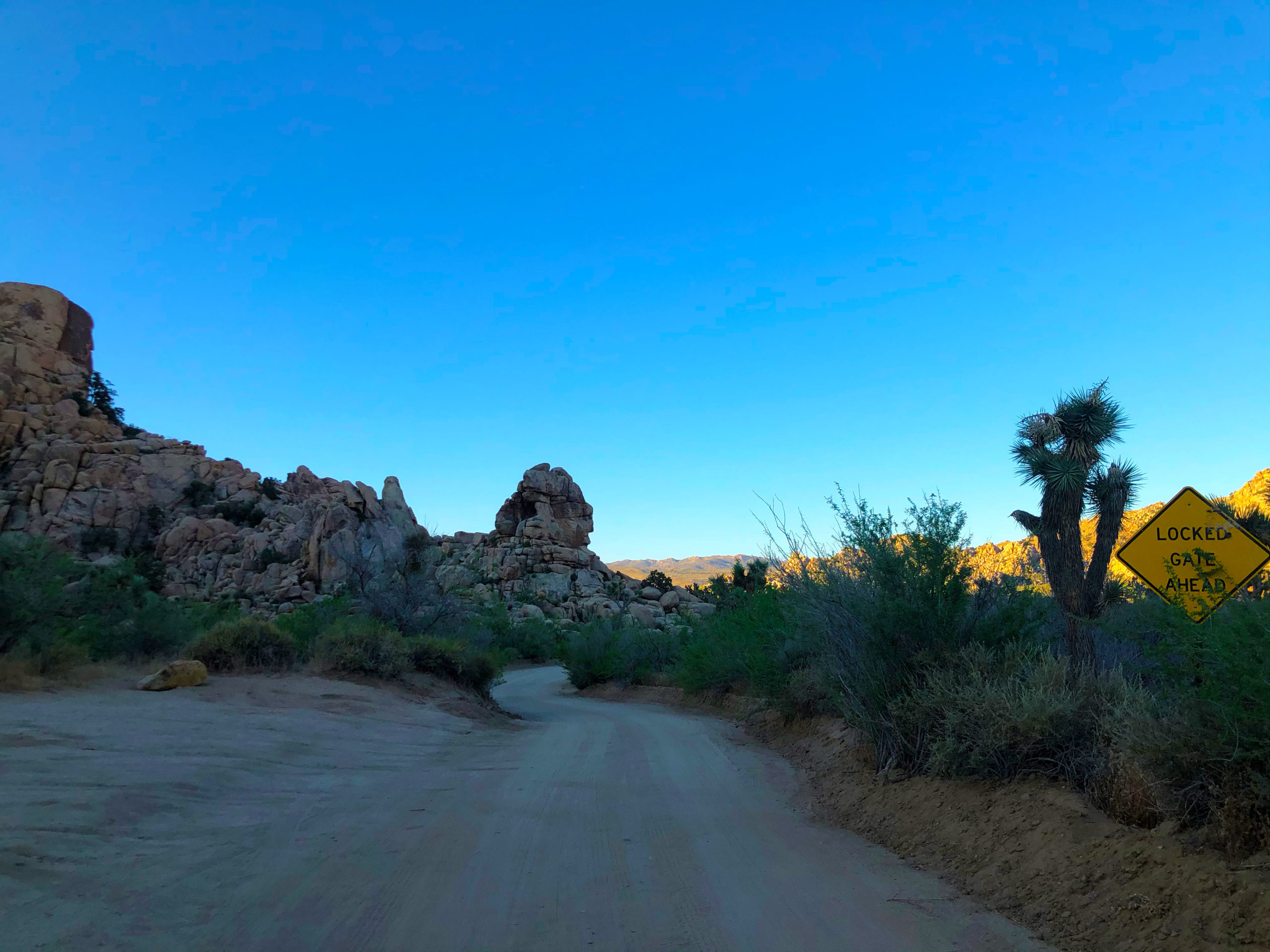 joshua-tree-national-park-climbing-camping-hiking-adventure-tour-lost-horse-ranger-station-locked-gate-ahead